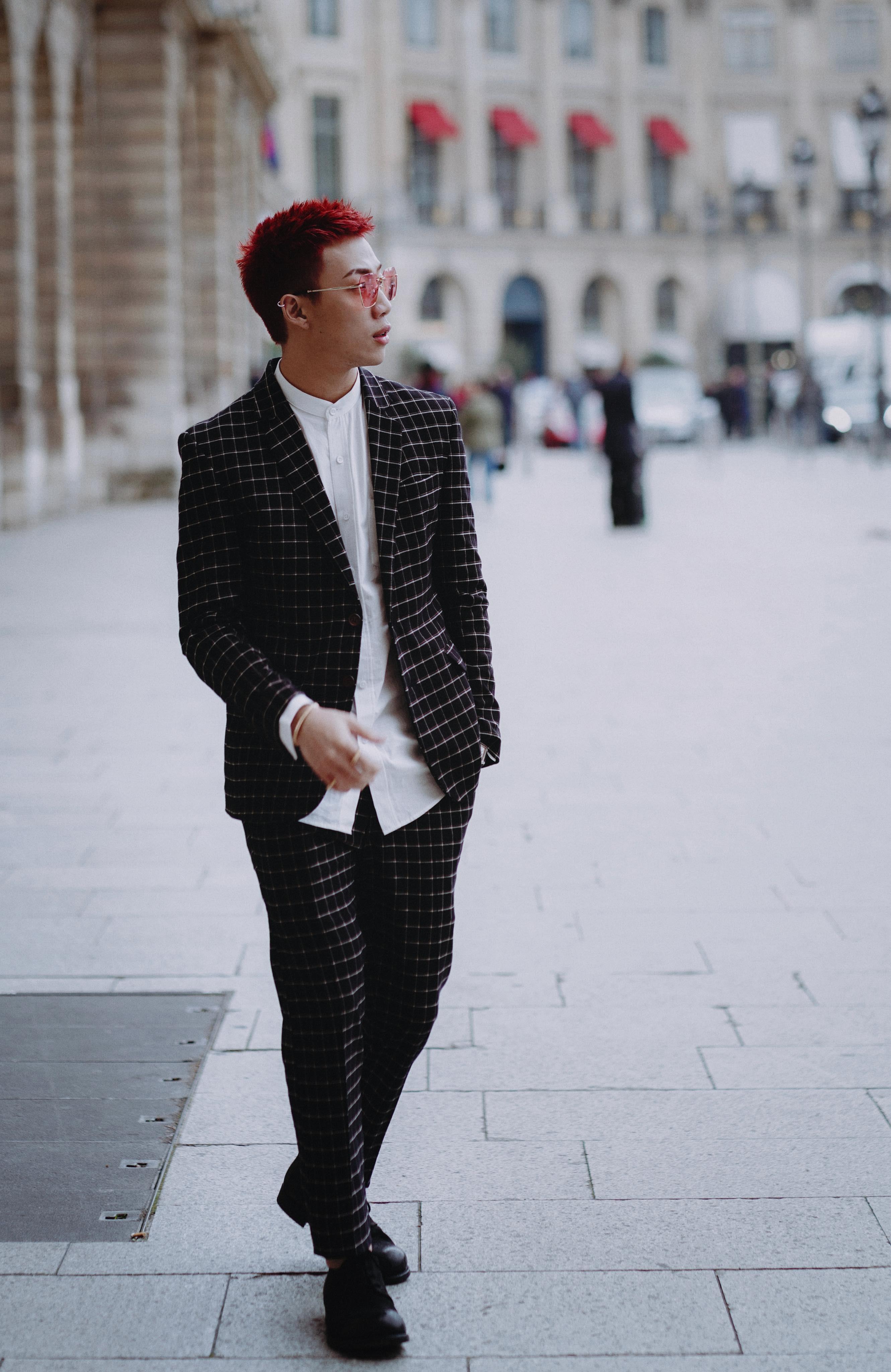 跟着ØZI 走一趟巴黎看看Cartier Clash 系列有多帅!